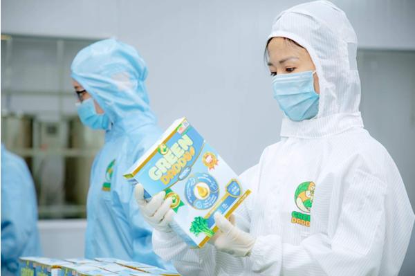 Green Daddy giới thiệu nhà máy sản xuất đạt tiêu chuẩn GMP-WHO - Ảnh 1.