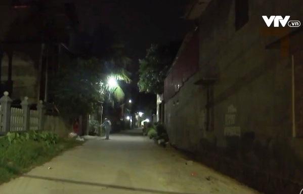 Những chiến sĩ áo trắng chạy đua với thời gian, ngày đêm chống dịch COVID-19 - Ảnh 2.