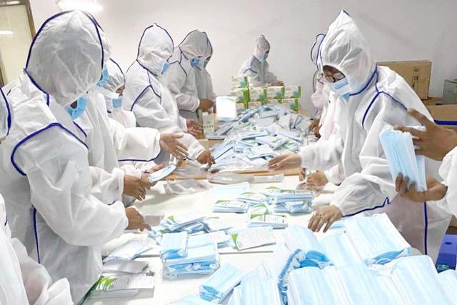 Khẩu trang y tế rục rịch tăng giá, hàng xịn 1,3 - 1,4 triệu đồng/thùng - Ảnh 3.