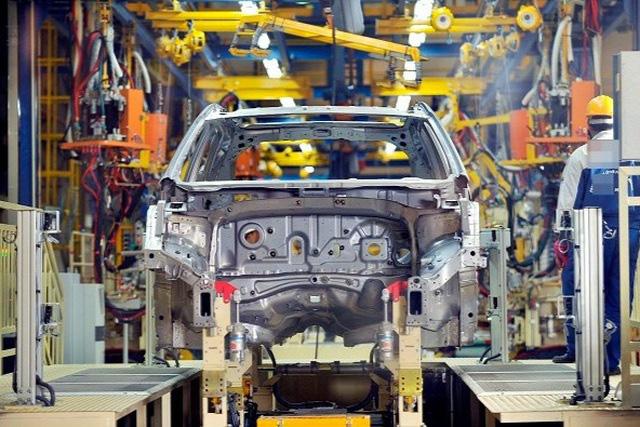 Bỏ thuế nhập linh kiện, giá ô tô trong nước vẫn ở... trên trời - ảnh 1