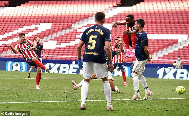 Ngược dòng trong 7 phút, Atletico Madrid tiến sát ngôi vô địch - Ảnh 3.