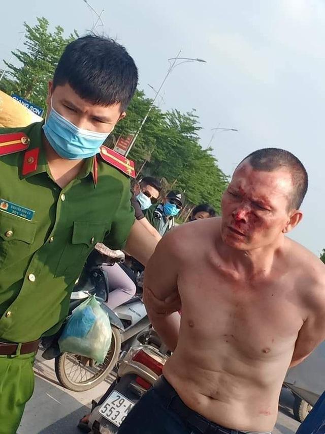 Giám đốc Công an Hà Nội nói gì về kỷ luật Đại úy đứng nhìn tài xế taxi vật lộn với cướp? - Ảnh 2.