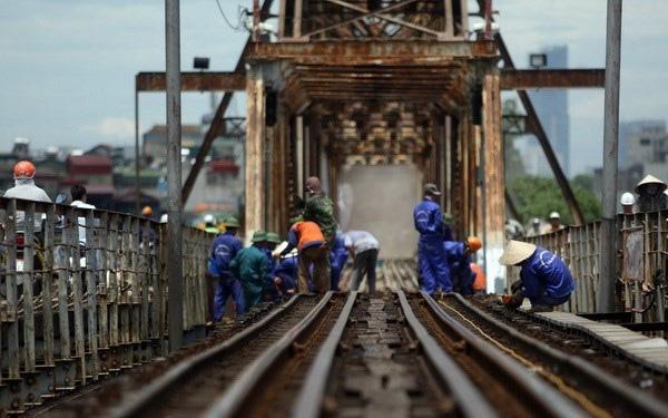 Bộ Giao thông Vận tải sẽ ưu tiên kinh phí duy tu, sửa chữa cầu Long Biên - ảnh 1