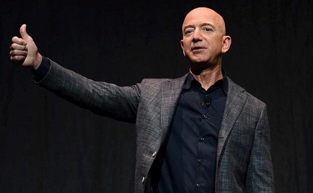 Jeff Bezos bán gần 2 tỷ USD cổ phiếu Amazon - Ảnh 1.