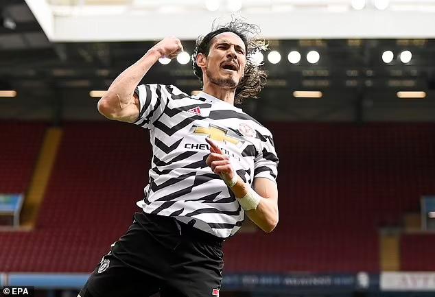 Ngược dòng trước Aston Villa, Man Utd vẫn chưa cho Man City vô địch - Ảnh 4.