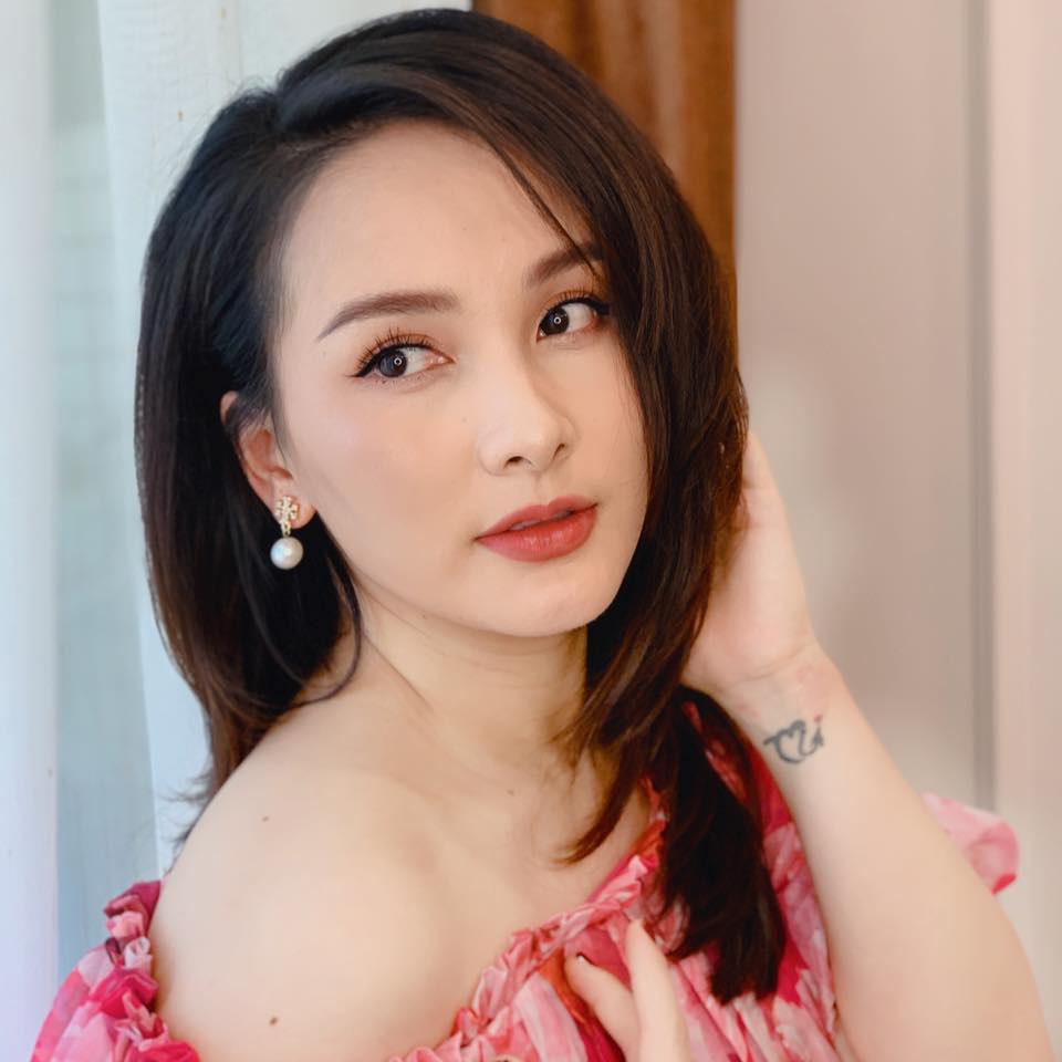 Dàn diễn viên diện đầm trễ vai: Phương Oanh, Bảo Thanh đẹp không tì vết, Hồng Diễm hack tuổi thần sầu - Ảnh 2.