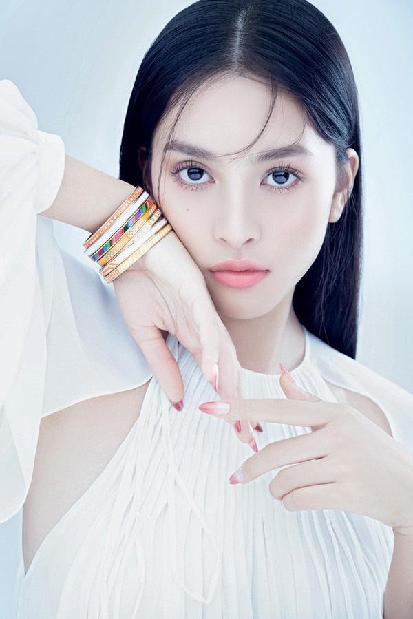 Vẻ đẹp trong veo của Hoa hậu Tiểu Vy - Ảnh 5.