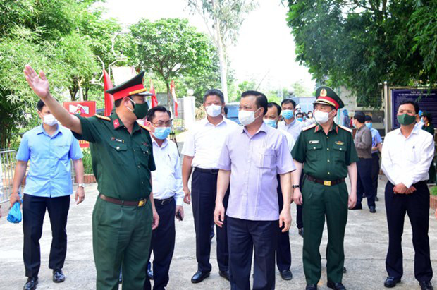 Bí thư Thành ủy Hà Nội: Sẽ nới lỏng từng dịch vụ nhưng tuyệt đối không lơi lỏng - Ảnh 1.