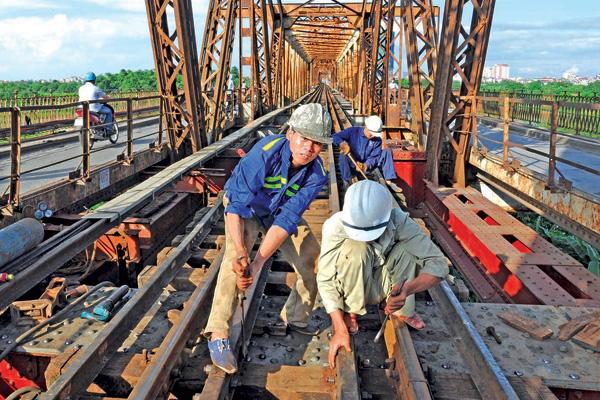 Tổng công ty Đường sắt đề nghị gói hỗ trợ khẩn cấp - Ảnh 1.
