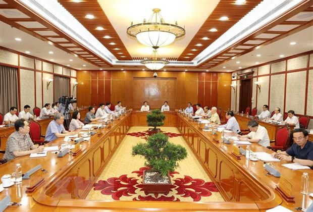 The meeting of the Politburo in Hanoi on June 25 (Photo: VNA)