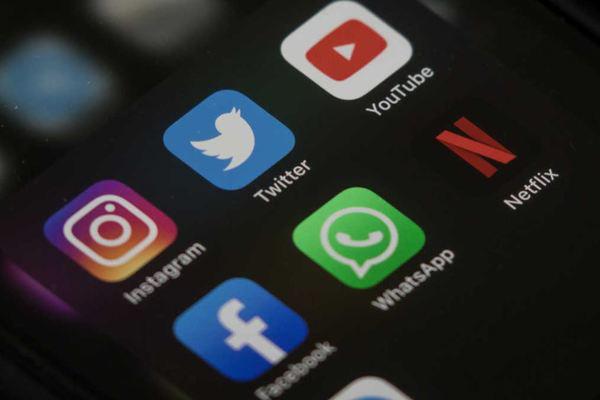 Chính thức siết quảng cáo xuyên biên giới trên YouTube, Facebook… - Ảnh 1.
