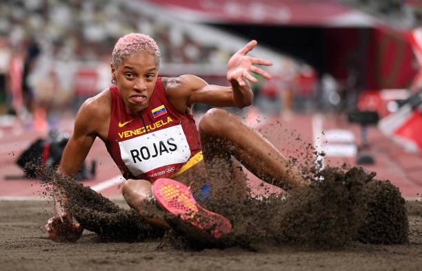 Olympic Tokyo 2020   VĐV điền kinh Venezuela phá kỷ lục Thế giới nội dung nhảy 3 bước nữ - Ảnh 2.