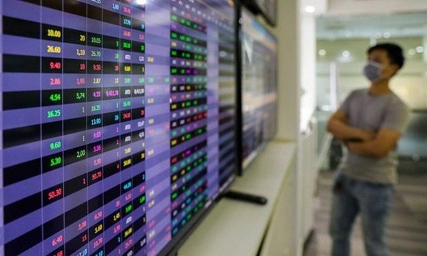 Vốn hóa trên sàn HOSE giảm hơn 15,6 tỷ USD trong tháng 7 - Ảnh 1.