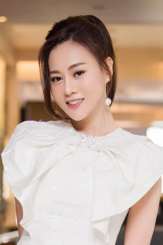 Phương Oanh xin rút đề cử ở VTV Awards 2021, BTC tôn trọng quyết định - Ảnh 1.