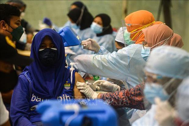 Hơn 199 triệu ca mắc COVID-19 trên toàn cầu, Philippines kéo dài lệnh giới nghiêm ở Manila - Ảnh 1.