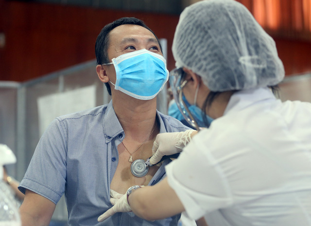 Hà Nội: Trưng dụng Nhà thi đấu Trịnh Hoài Đức thành nơi tiêm vaccine phòng COVID-19 - Ảnh 4.