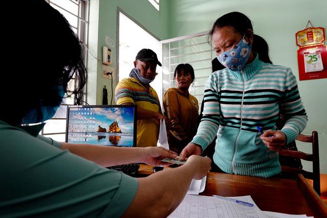 TP Hồ Chí Minh đề xuất hỗ trợ 1 triệu đồng cho lao động nghèo - Ảnh 1.
