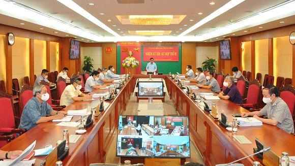 Nhiều lãnh đạo và nguyên lãnh đạo của thành phố Hà Nội bị kỷ luật - Ảnh 1.