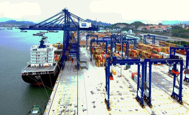 Cảng biển đứng trước nguy cơ gián đoạn hoạt động vì ùn ứ hàng hoá - Ảnh 1.