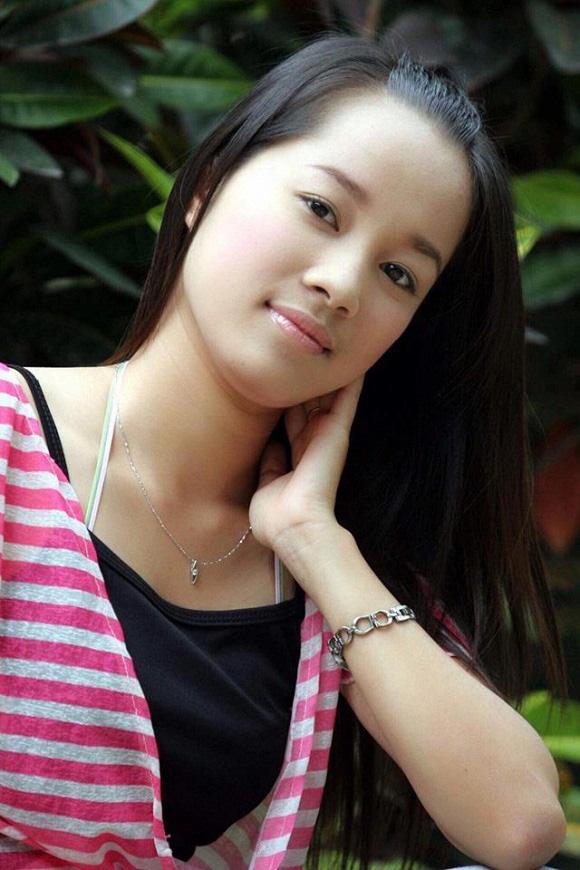 Sự hoán đổi không ngờ từ con gái thành bạn gái của Minh Hương với NSND Mạnh Cường trong 2 phim - Ảnh 1.
