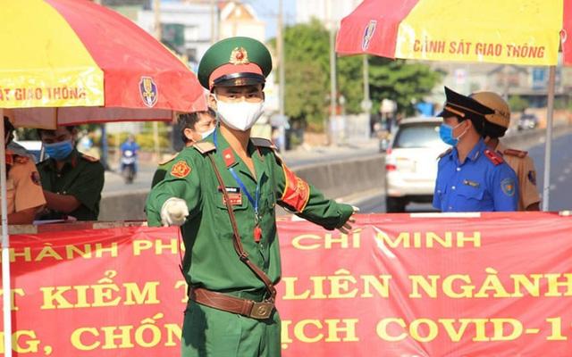 TP Hồ Chí Minh tổ chức lại quy trình, tập trung điều trị ca COVID-19 nặng - Ảnh 2.