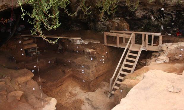 Tìm thấy bằng chứng con người cổ đại làm quần áo từ cách đây hơn 120.000 năm - ảnh 1