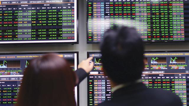 Cổ phiếu ngân hàng đồng loạt tăng giá - ảnh 1