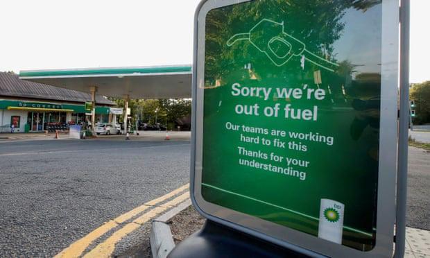 Khủng hoảng nhiên liệu tại Anh đe dọa các dịch vụ thiết yếu - ảnh 1