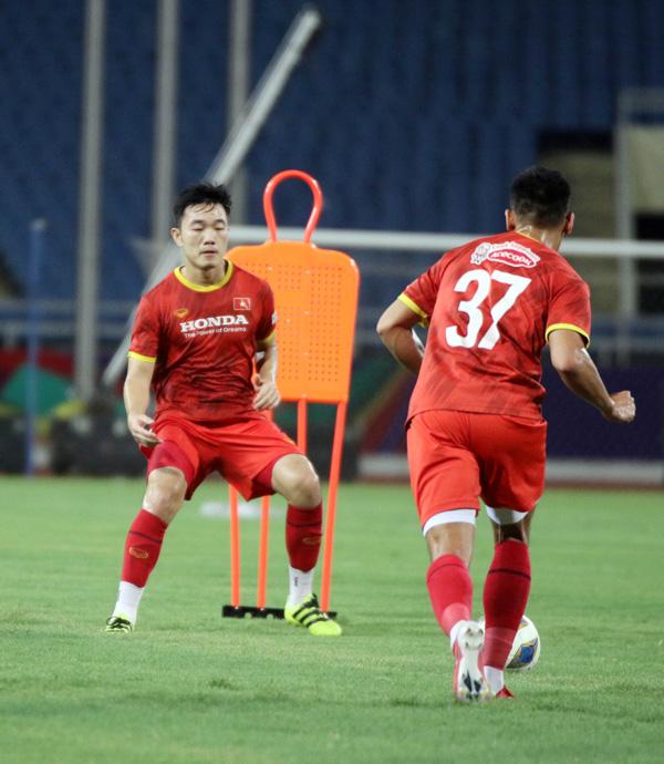 ĐT Việt Nam tập trên sân Mỹ Đình, sẵn sàng cho trận gặp ĐT Australia - Ảnh 8.
