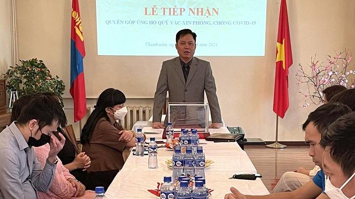 Ambassador Doan Khanh Tam speaks at the fundraising event. (Photo: Vietnamese Embassy in Mongolia)