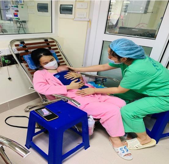 Nuôi dưỡng thành công bé sinh non nhẹ cân nhất Việt Nam - Ảnh 4.