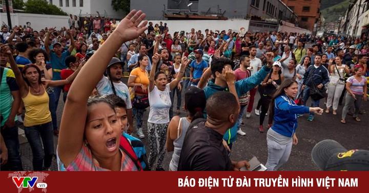 Venezuela: Người dân tiếp tục biểu tình vì thiếu hụt thuốc men