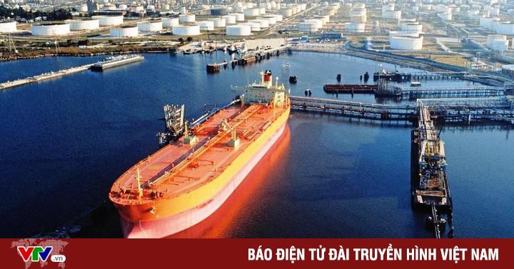 Giá dầu giảm 1% do lo ngại căng thẳng Mỹ - Trung