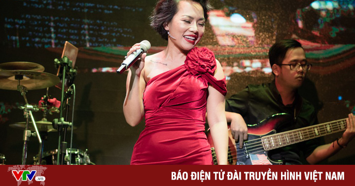 Sau 39 năm, Thái Thùy Linh mới diện đầm dài tha thướt đến vậy!