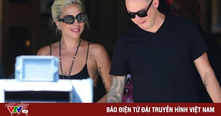 Lady Gaga lại cô đơn