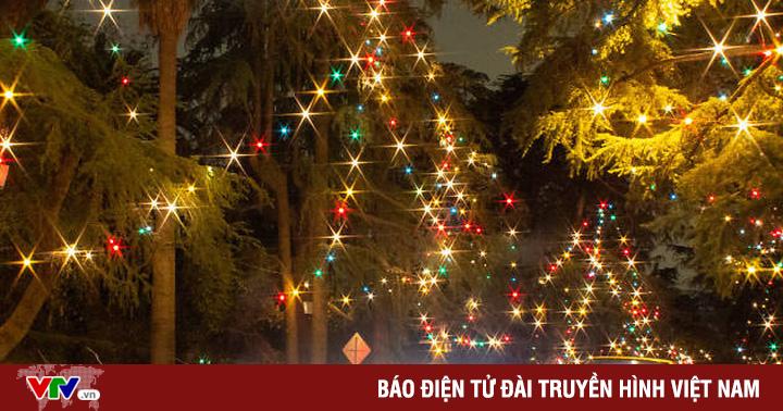 Tưng bừng khởi động mùa Giáng sinh đón năm mới tại kinh đô điện ảnh thế giới