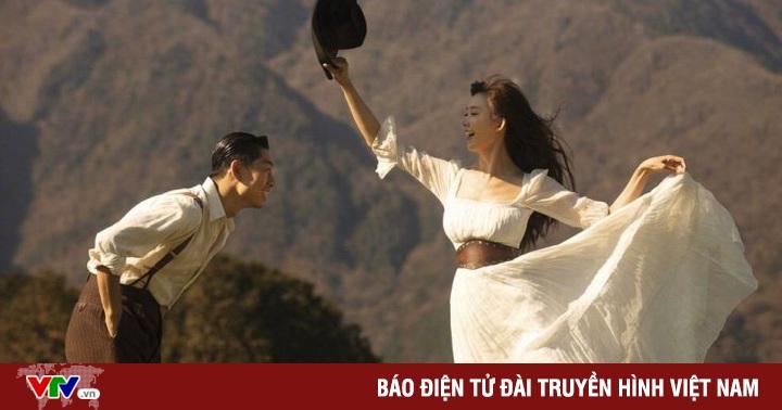 Vợ chồng Lâm Chí Linh ngọt ngào và tình tứ trên Vogue