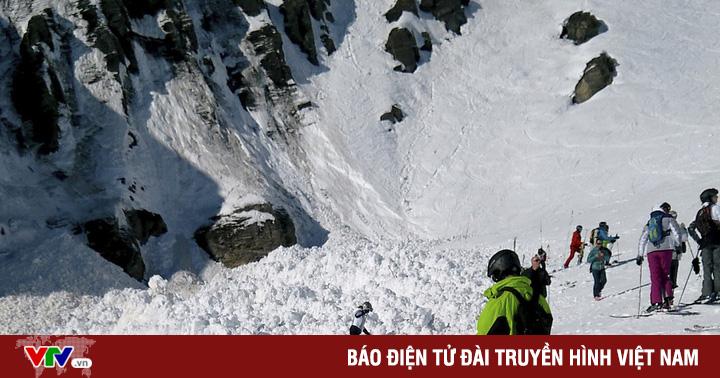 Lở tuyết khu resort ở Thụy Sĩ chôn vùi nhiều người