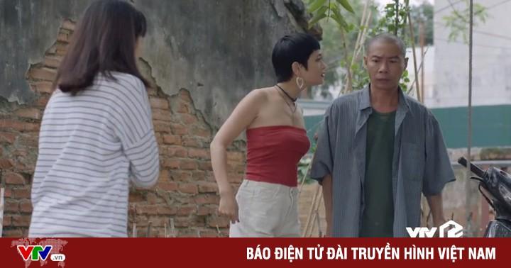 Những cô gái trong thành phố - Tập 24: Chưa kịp vui mừng vì Lâm tặng điện thoại mới, Lan đã bị Ly xúc phạm quá đáng