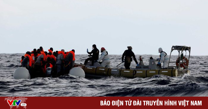 Ít nhất 20 người di cư mất tích vì chìm thuyền trên Địa Trung Hải