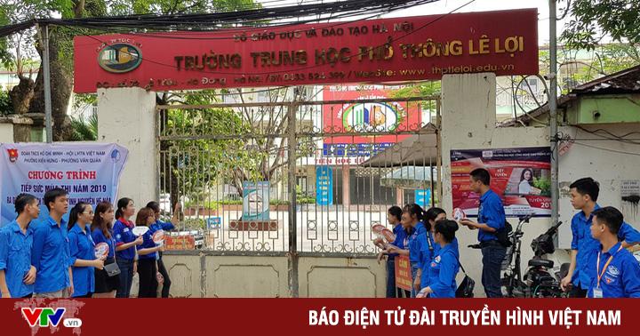 Những màu áo xanh không thể vắng bóng tại kỳ thi THPT quốc gia