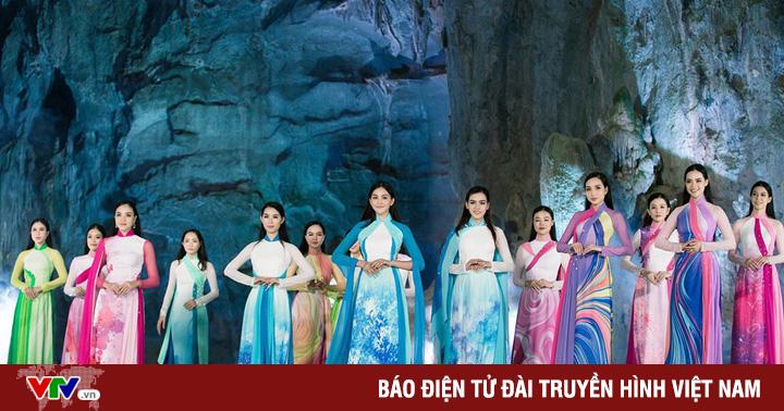 Đạo diễn Hoàng Nhật Nam đưa dàn mẫu trình diễn thời trang trong... hang động