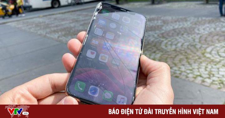 iPhone 11 Pro vỡ nát sau thử nghiệm rơi từ độ cao 1m