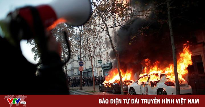 Nửa triệu người tại Pháp biểu tình phản đối hành vi bạo lực của cảnh sát