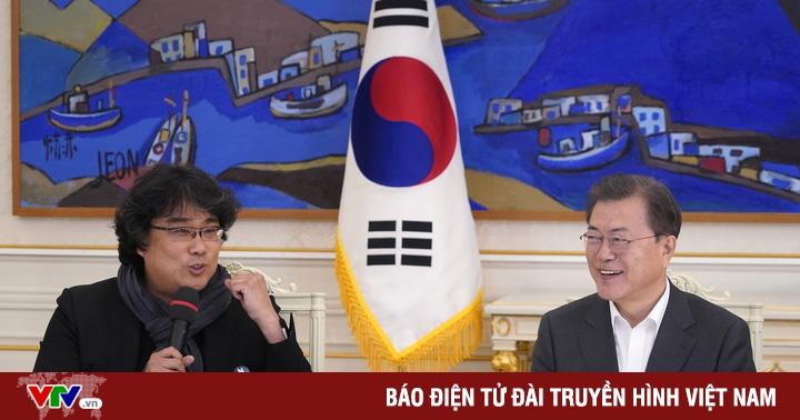 """Tổng thống Hàn Quốc chúc mừng đoàn phim """"Ký sinh trùng"""""""