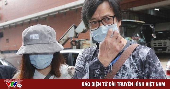 Huỳnh Nhật Hoa xuất hiện lần đầu tiên sau khi vợ qua đời: ''Tôi ổn! Xin đừng lo lắng!''