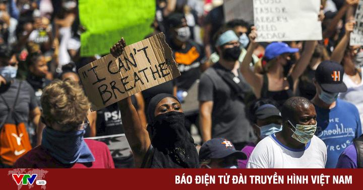 Khó khăn nào nhà báo tác nghiệp phải đối mặt trong biểu tình, bạo động?