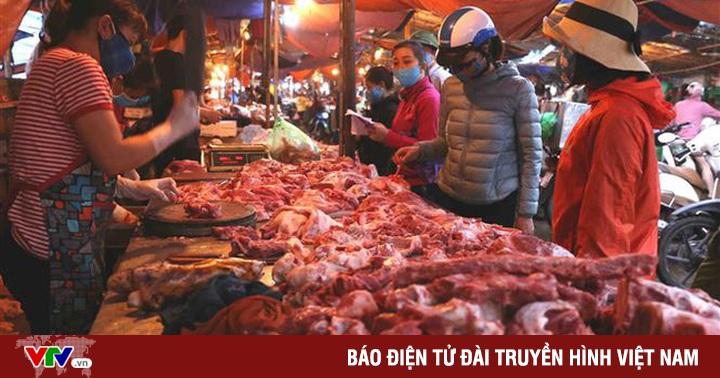 Hạ nhiệt sau nhiều ngày ''cố thủ'': Thịt lợn giá rẻ sắp không chỉ còn có trên tivi