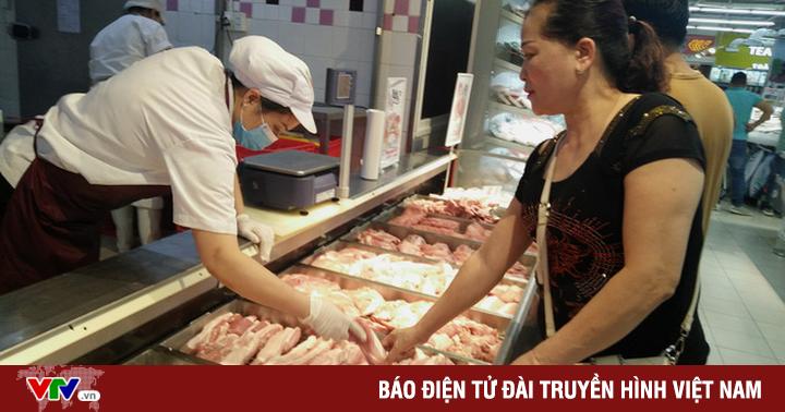 """Thủ tướng Nguyễn Xuân Phúc: """"Đưa giá thịt lợn về mức như trước khi có dịch"""""""
