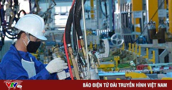 """Việt Nam vừa """"phòng thủ"""" chống dịch COVID-19, vừa """"tấn công"""" trên mặt trận kinh tế"""